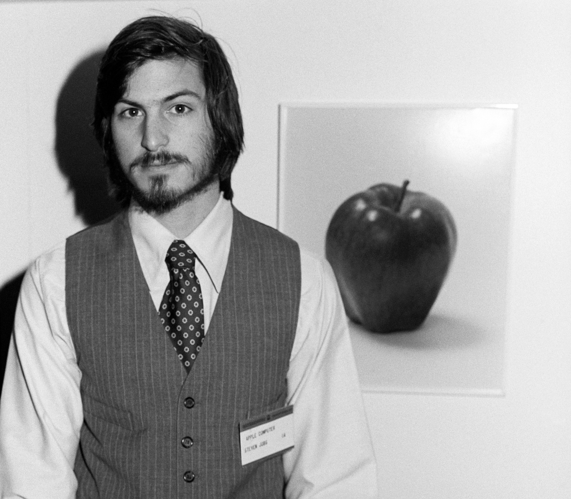 steve jobs apple Apple ceo tim cook is clear about one thing: apple co-founder steve jobs was a great person to work for speaking to bloomberg in an interview published in june (but resurfaced on thursday), cook.