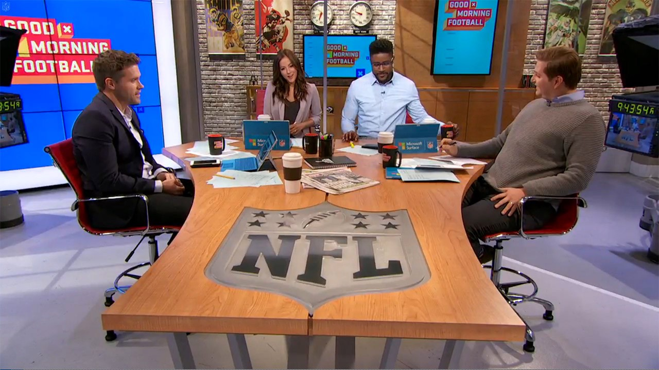 Good Morning Football : Sports with friends laces out