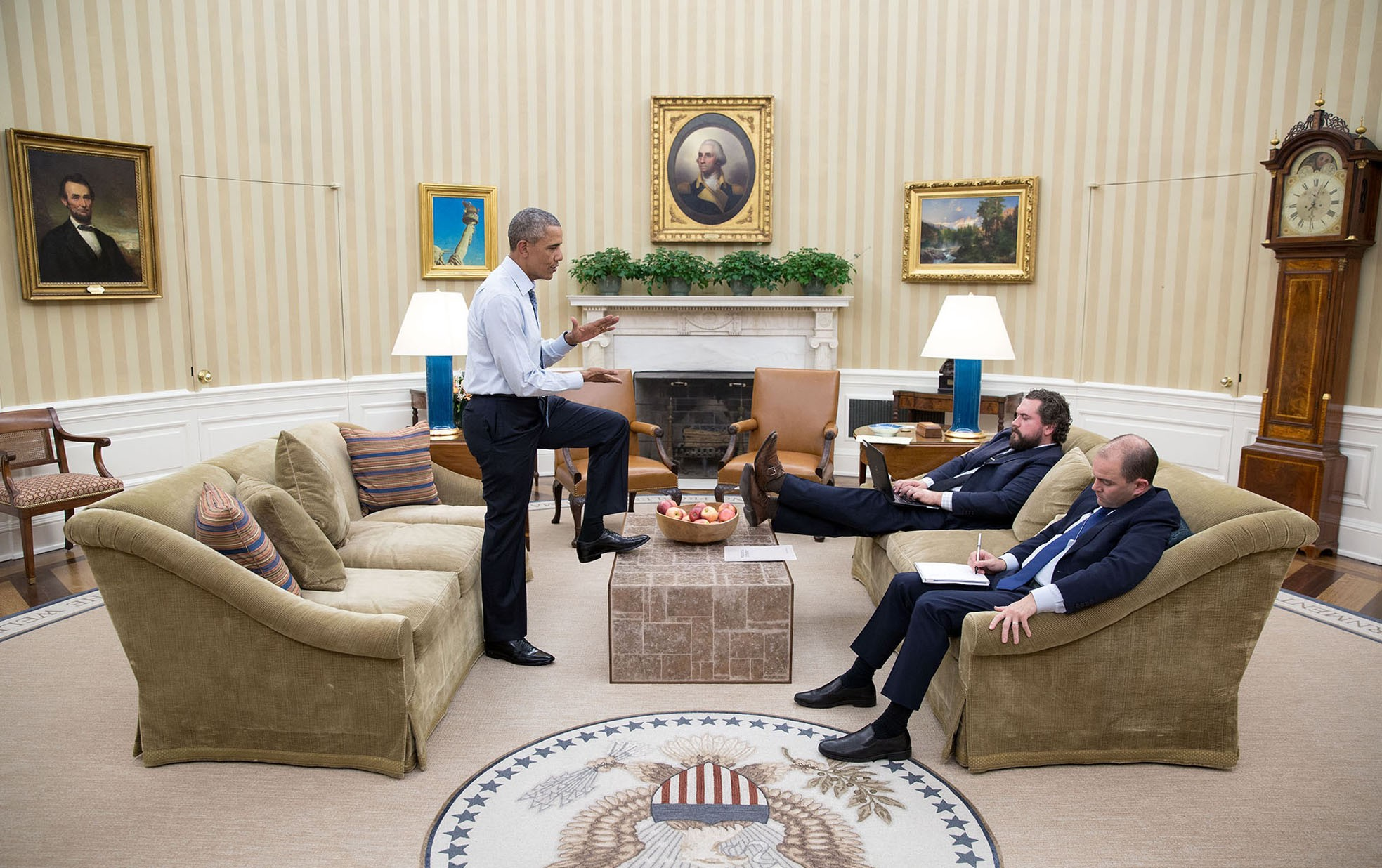 oval office chair. Behind The Lens: 2016 Year In Photographs Oval Office Chair