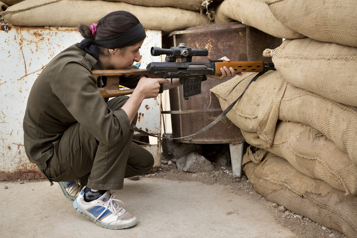 On The Lonely Iraq Syria Border Snipers Battle For A