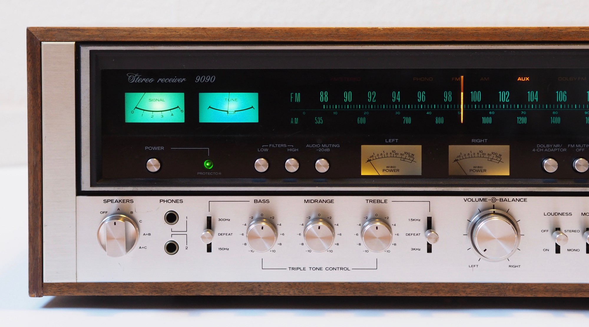 How A Digital Guy Fell In Love With A Vintage Stereo Receiver