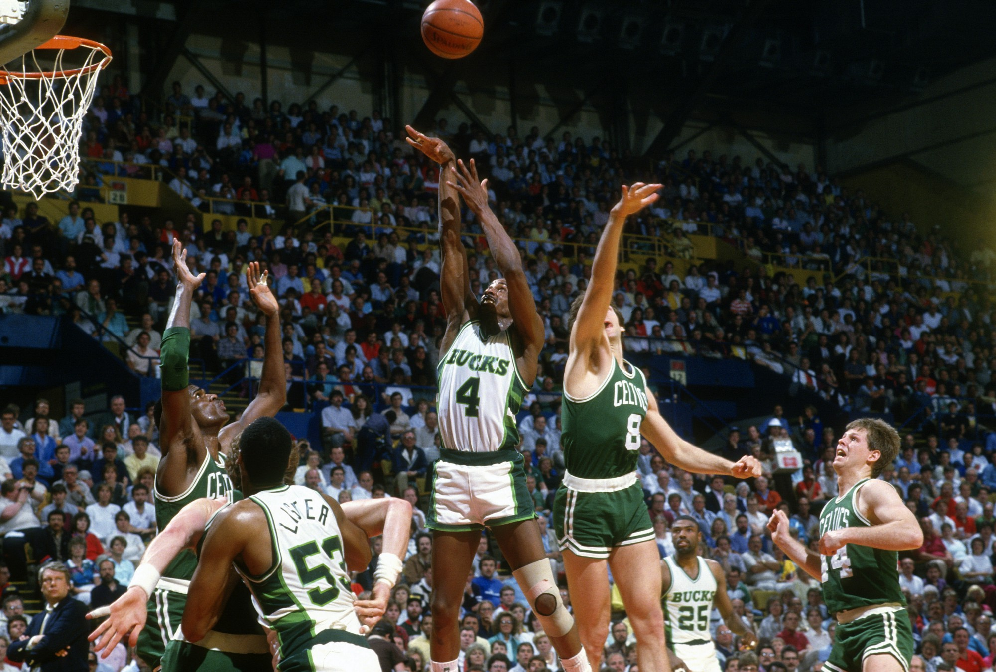Is Sidney Moncrief a Hall of Famer – Justin Kubatko – Medium