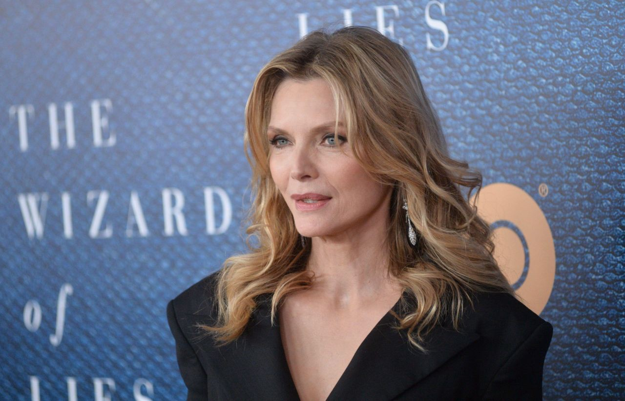 Forum on this topic: Judi Dench Made Michelle Pfeiffer Cry – , judi-dench-made-michelle-pfeiffer-cry/