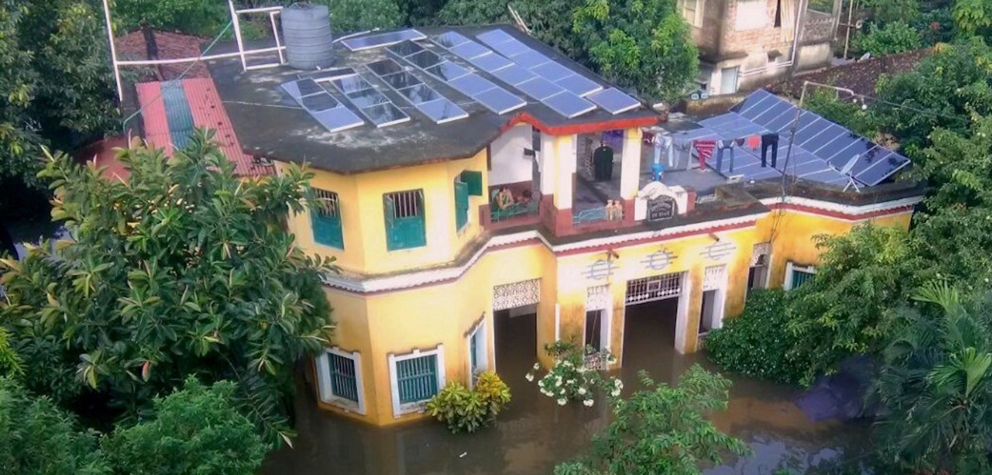 In Rural India, Solar Powers Through a Flood – Nexus Media