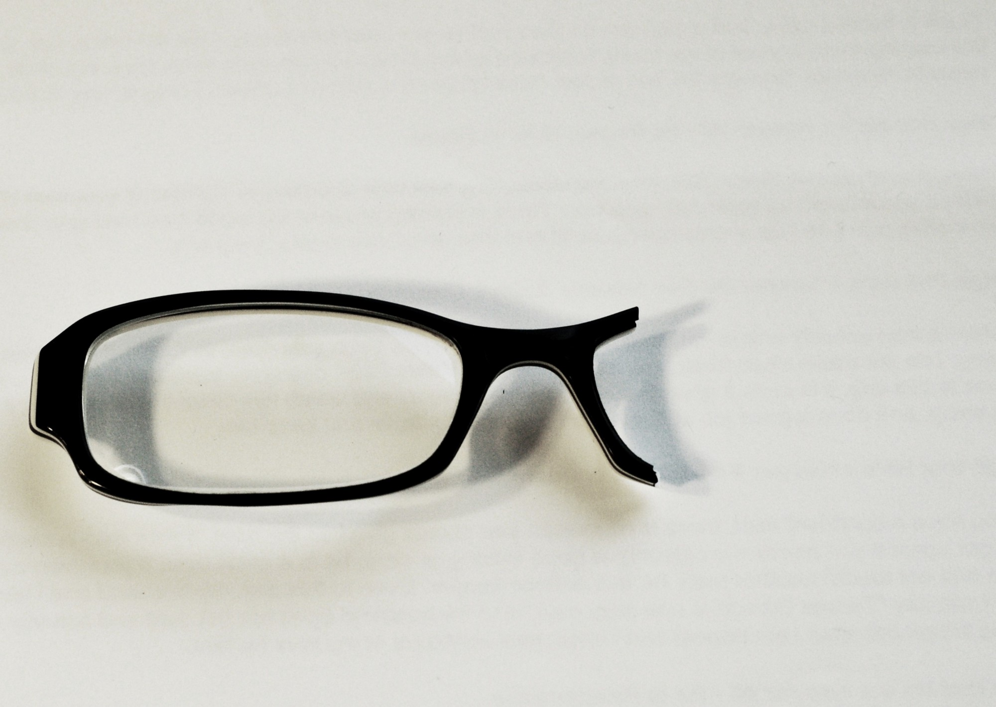 6 Reasons Why Buying Cheap Glasses Online May Be the Worst Deal Ever