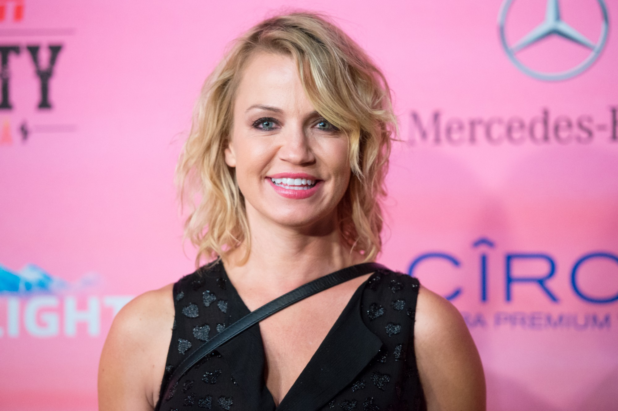 Sports reporter and ESPN host Michelle Beadle will be featured in the Sharknado 3 movie! The blonde begged on social media to be cast in the upcoming movie