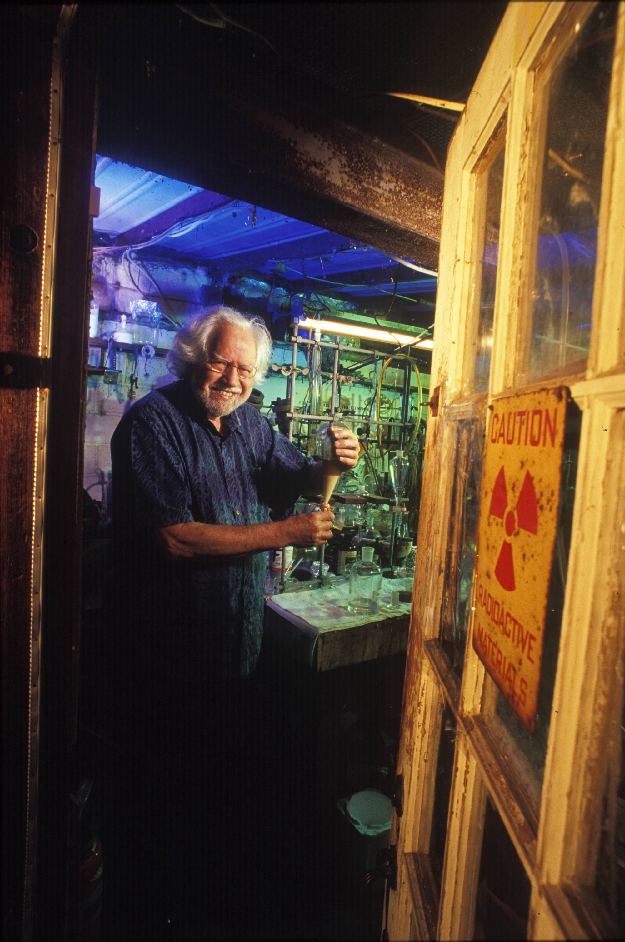 This genius chemist spent 50 years creating psychedelic drugs in his home lab…for a good cause