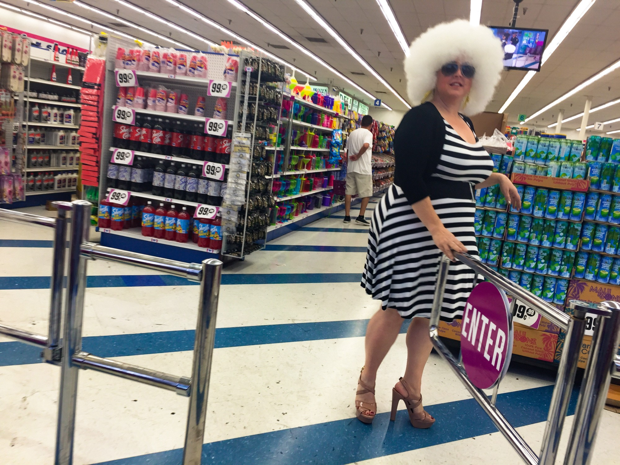 PHOTOGRAPHY LA Story Mary Jo And The 99 Cent Store