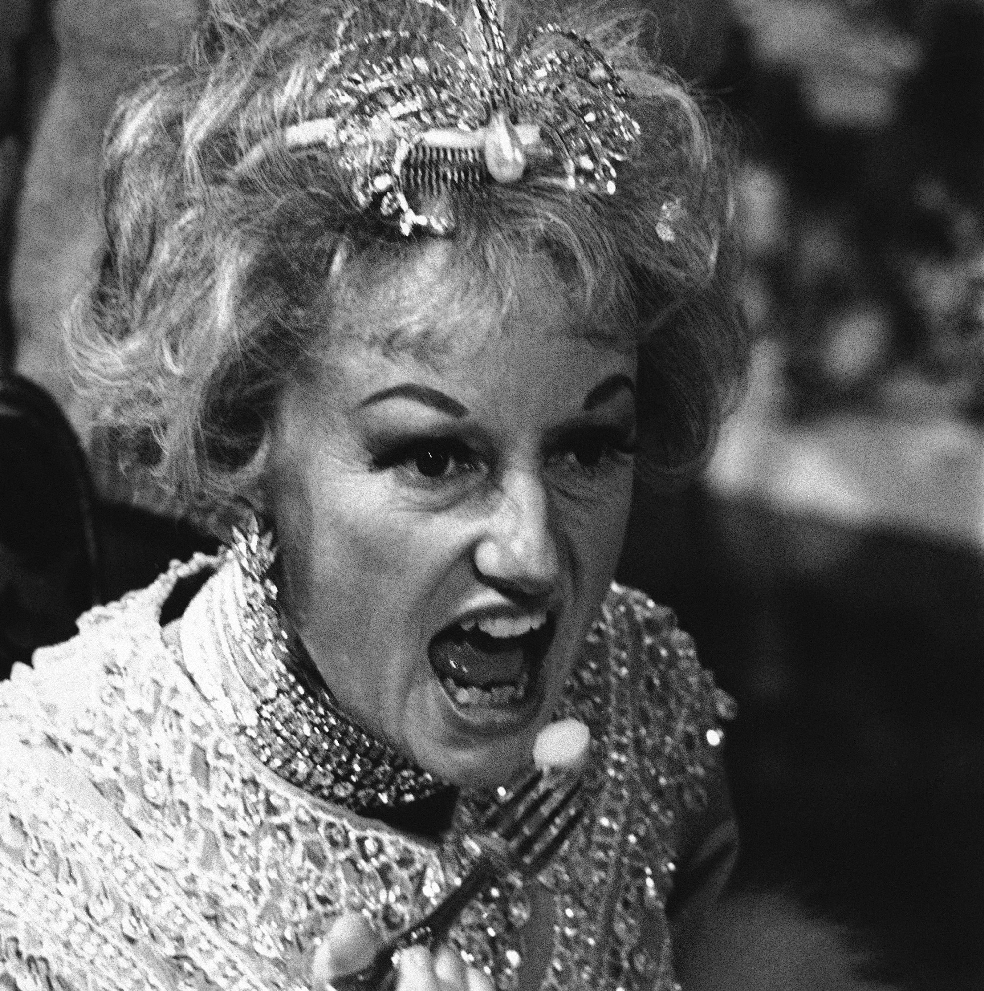 Phyllis Diller The Zany Housewife Turned Comedian Timeline