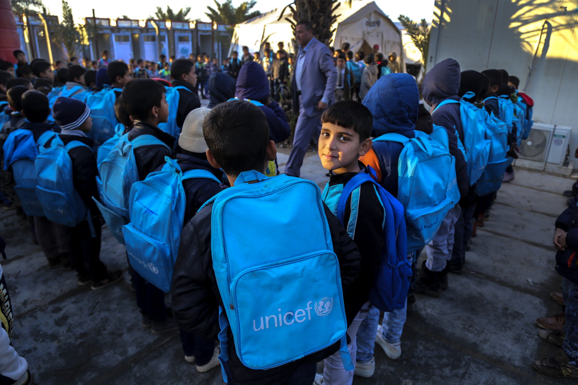 UNICEF helps 682,000 children access education in Iraq in2016