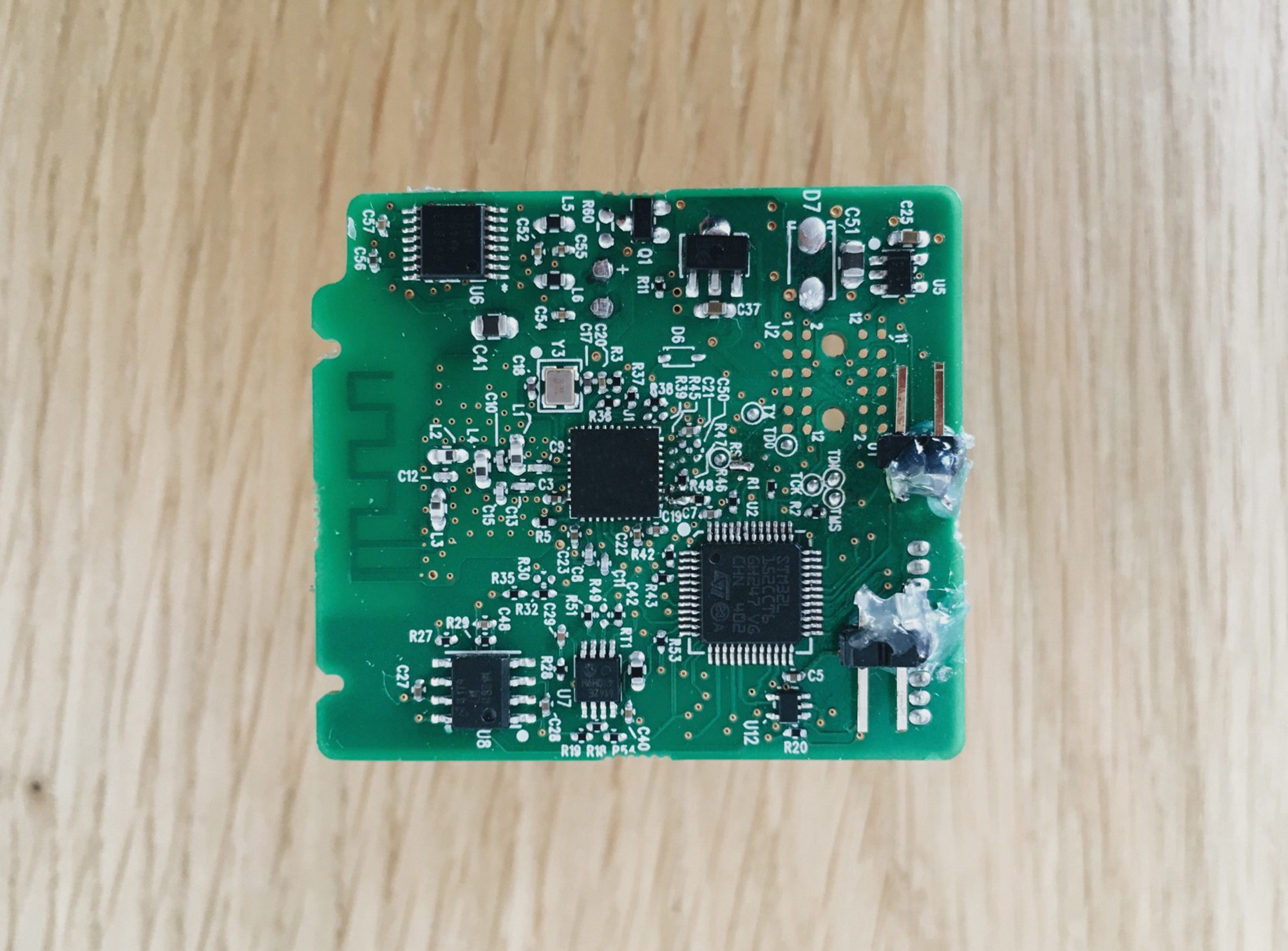 August Smart Lock Teardown Ruki Journal Medium Digital Electronic Circuit Diagram And Instructions The Other Side Of Pcb Features An 74ac541 Led Driver Ic Connectors For Batteries A Speaker Accelerometer