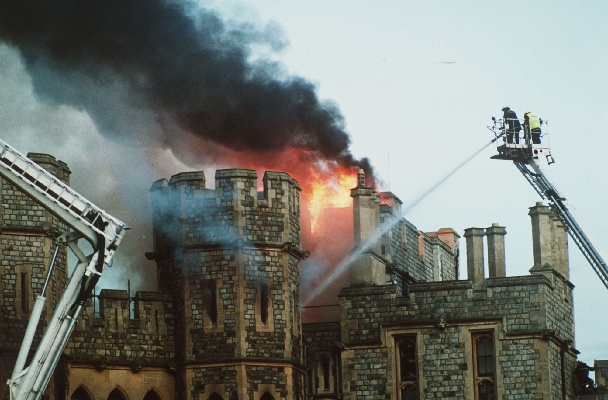 Damage To The Royal Residence Was Capstone On Queen Elizabeth Ii S Annus Horribilis Ap Allistair Grant
