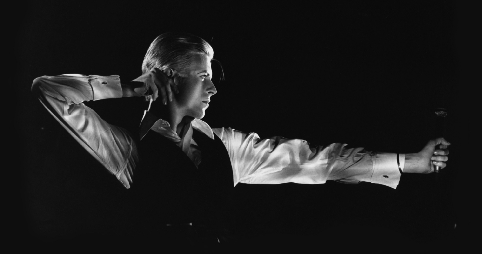 david bowie performing fame on the cher show in 1975 jack 96 9