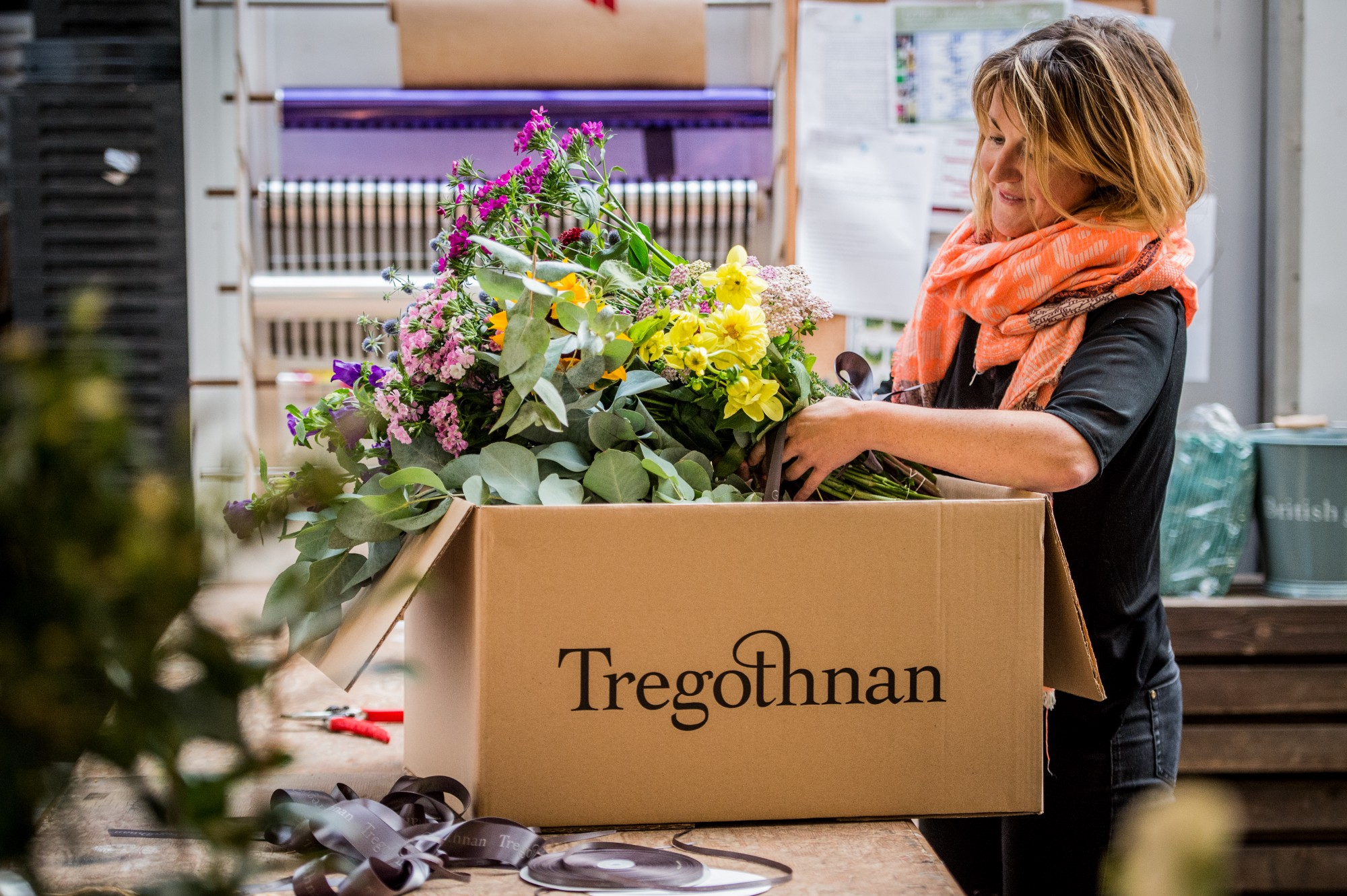 British blooms are back and are finally competing with cheap imports the tregothnan estate in cornwall grow and source all of their british flowers from their historic gardens meadows and surrounding land izmirmasajfo