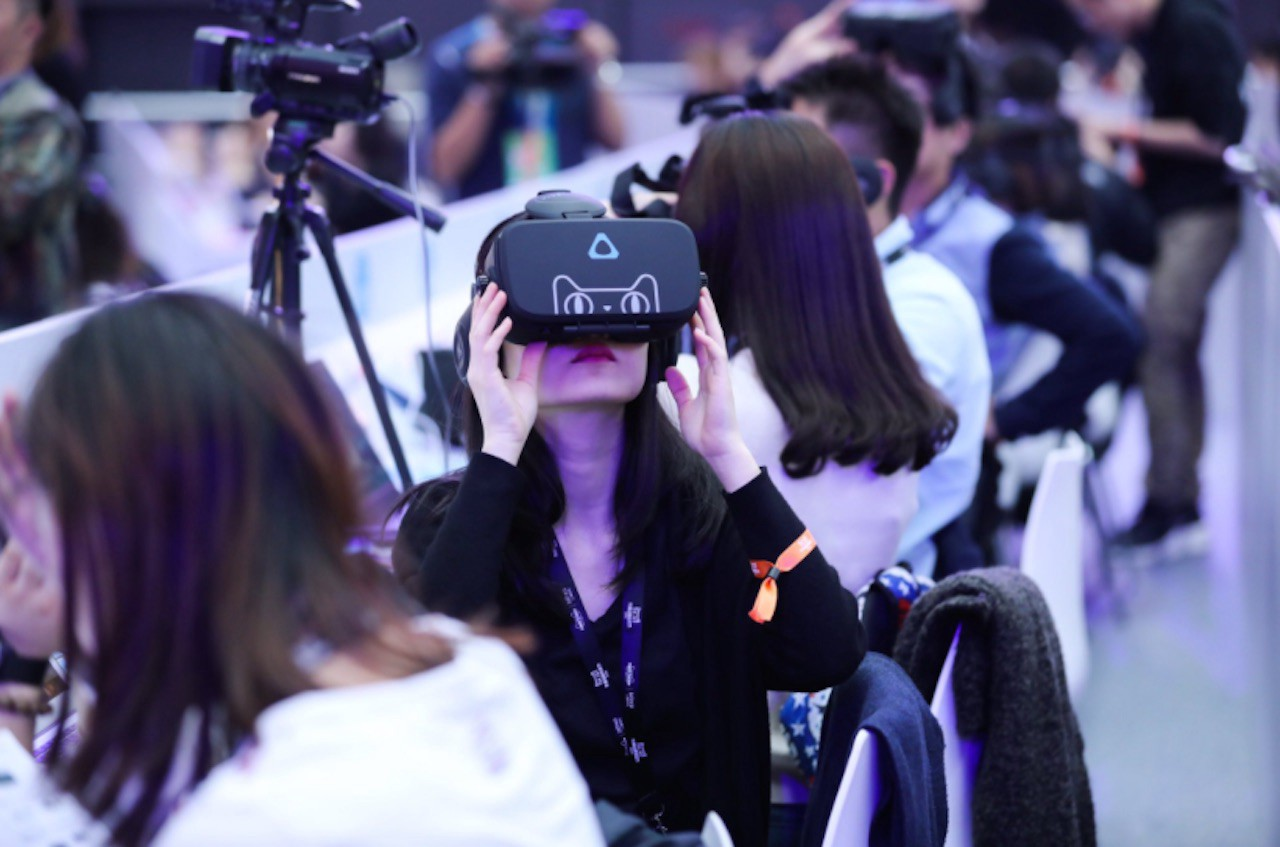 Shopping in virtual reality is not a science fiction anymore