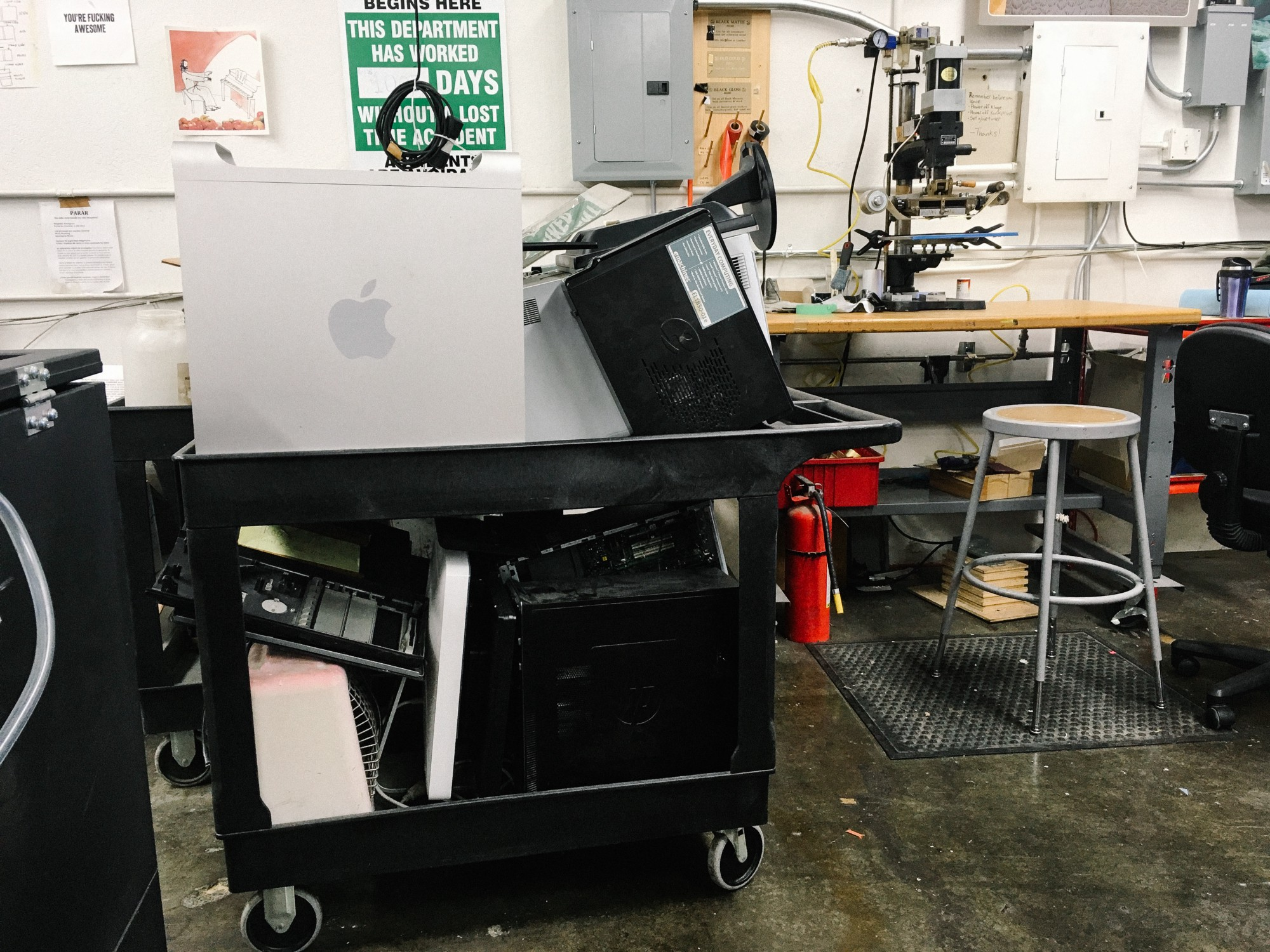 Building Root Ventures Retro Power Mac G5 Hackintosh Supply Connector Dell Laptop Pinout Dumpster Diving Jackpot