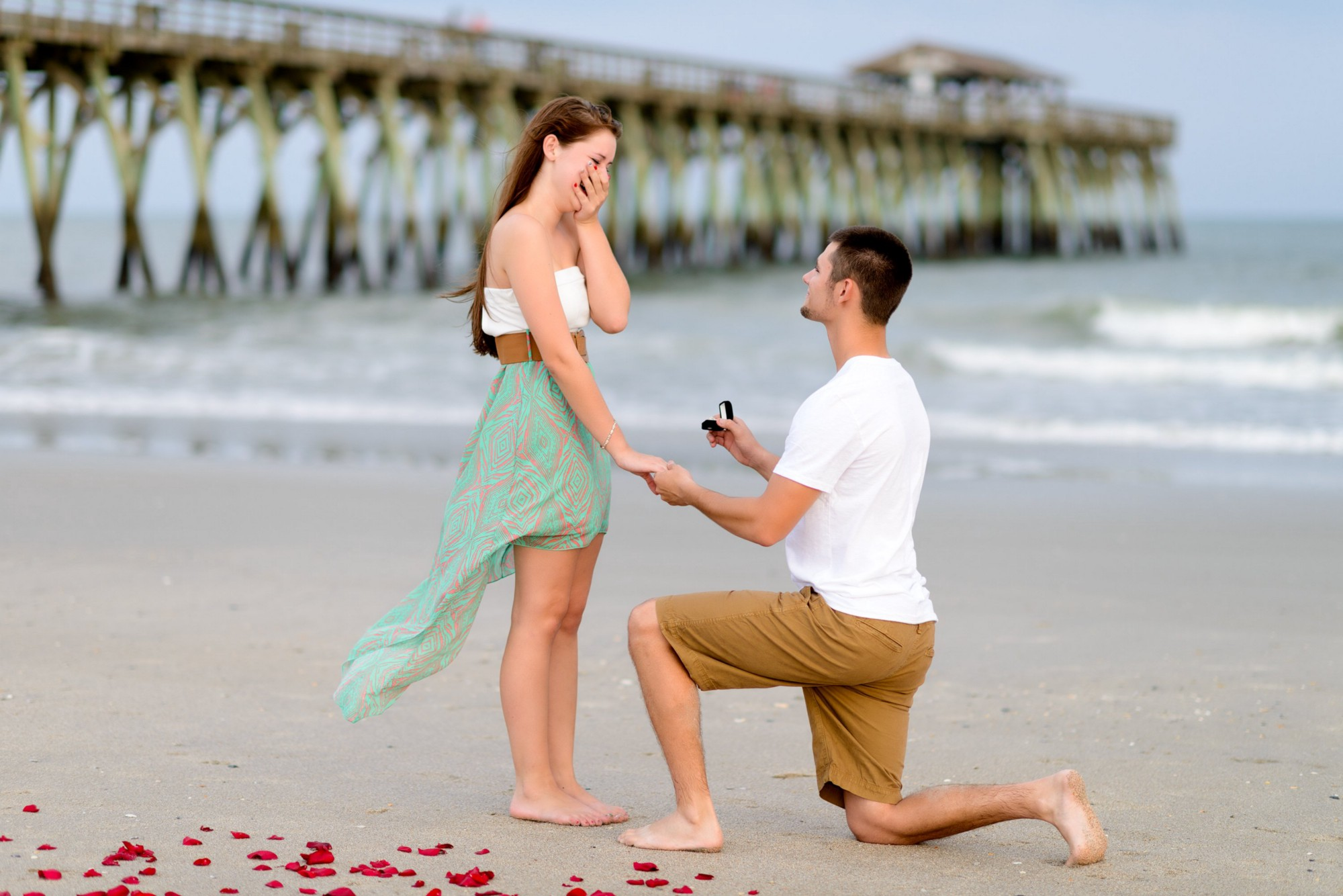 Ladies! Here Are 7 Signs Your Man May Soon Propose Marriage