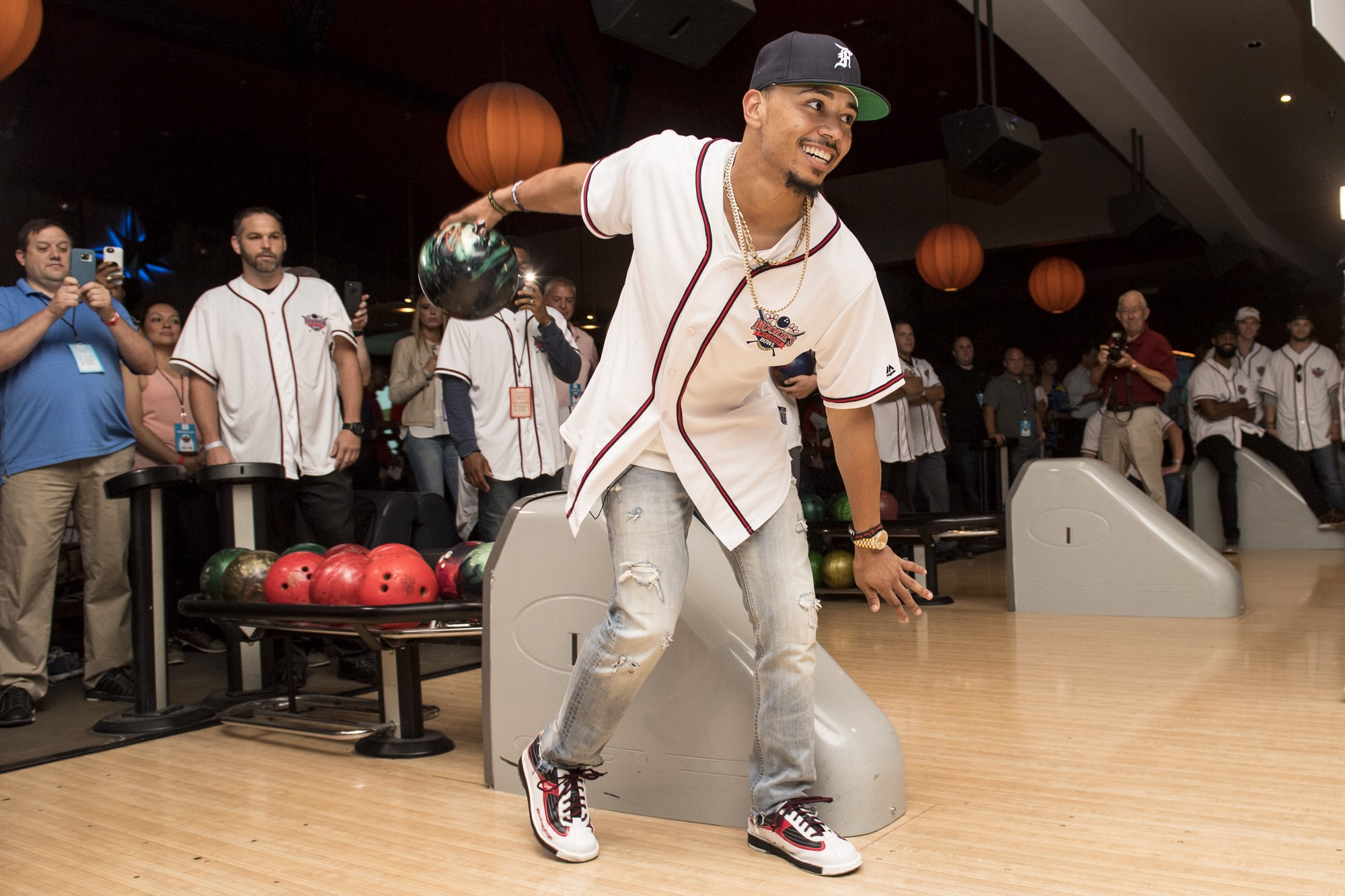 Mookie S Big League Bowl At Lucky Strike Fenway Frames