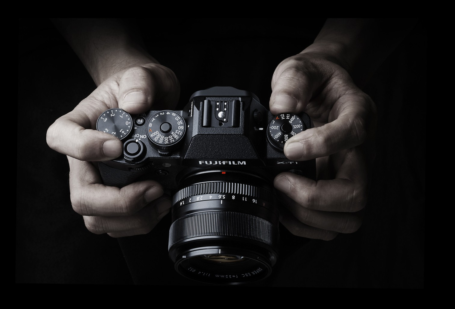 Why I\'m switching from from Full Frame DSLR cameras to the FujiFilm XT-1