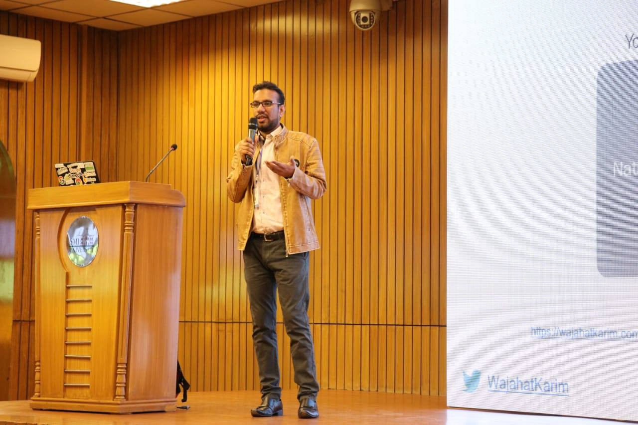 Me giving a talk on Flutter at [SMIU University, Karachi](https://www.smiu.edu.pk/)