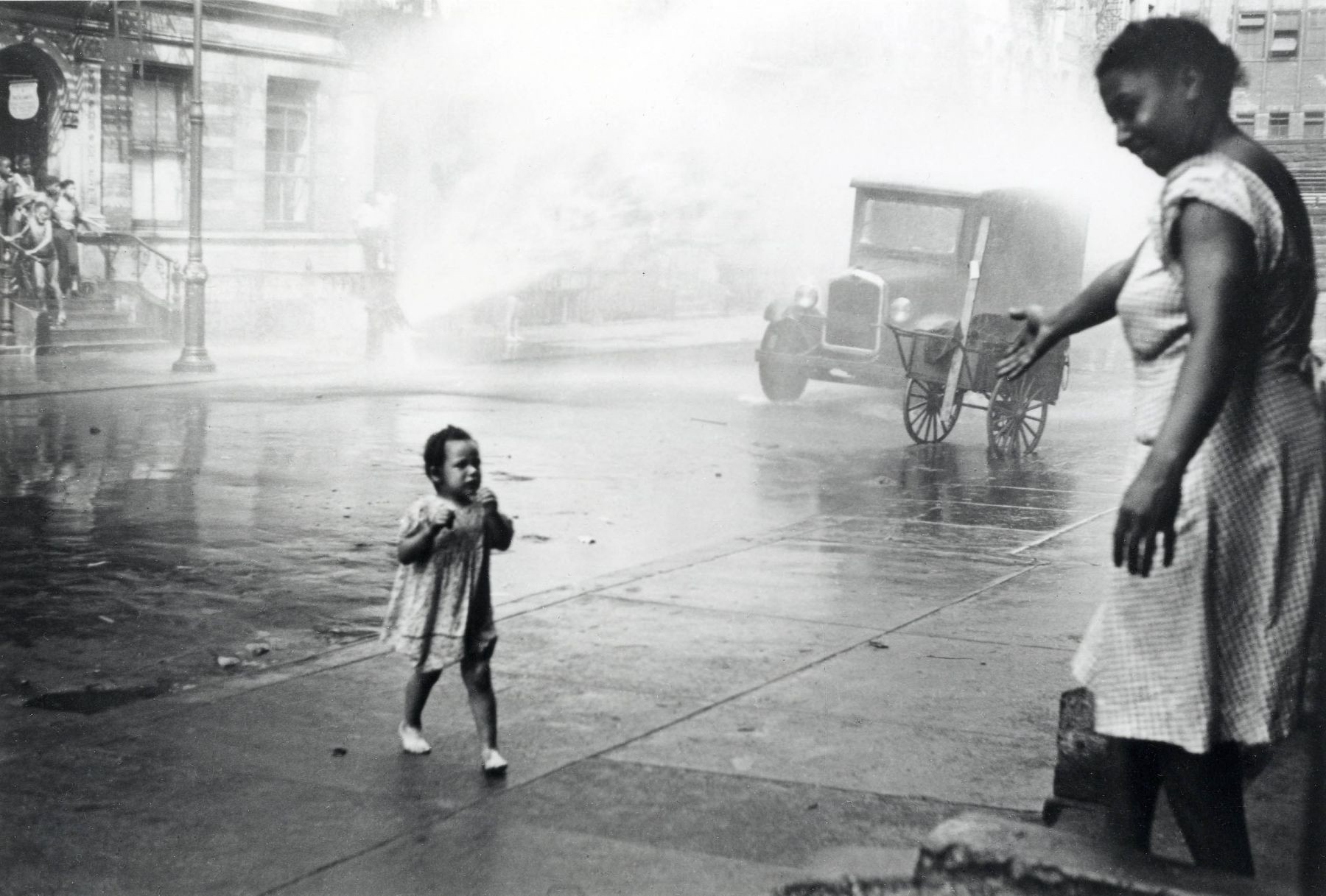 Helen levitt was one of the first photographers to capture street scenes