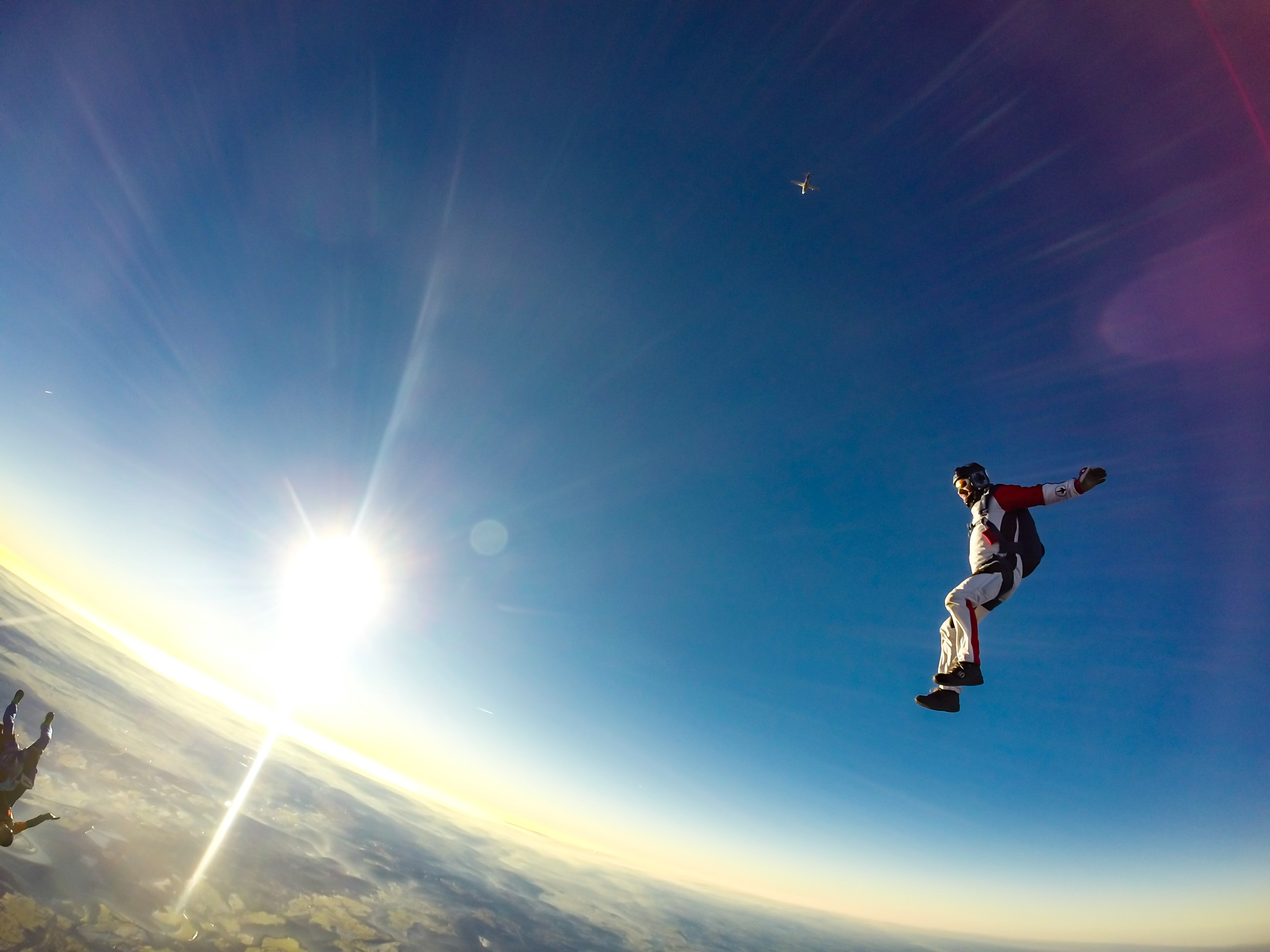 Four People Who Fell From Planes Without Parachutes… And Survived!