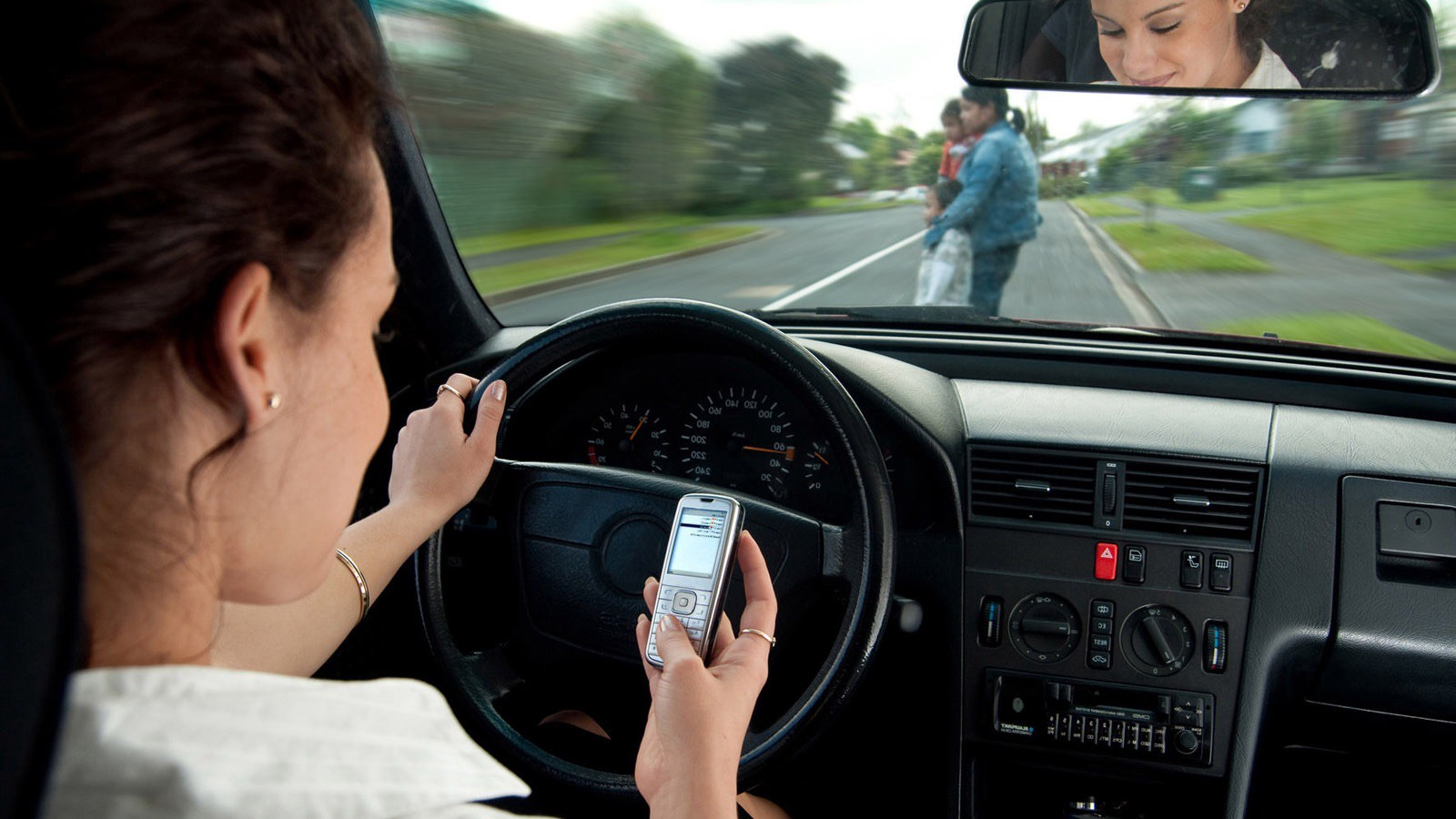 Texting While Driving >> New Study Finds Texting While Driving Only Dangerous If You Suck At It