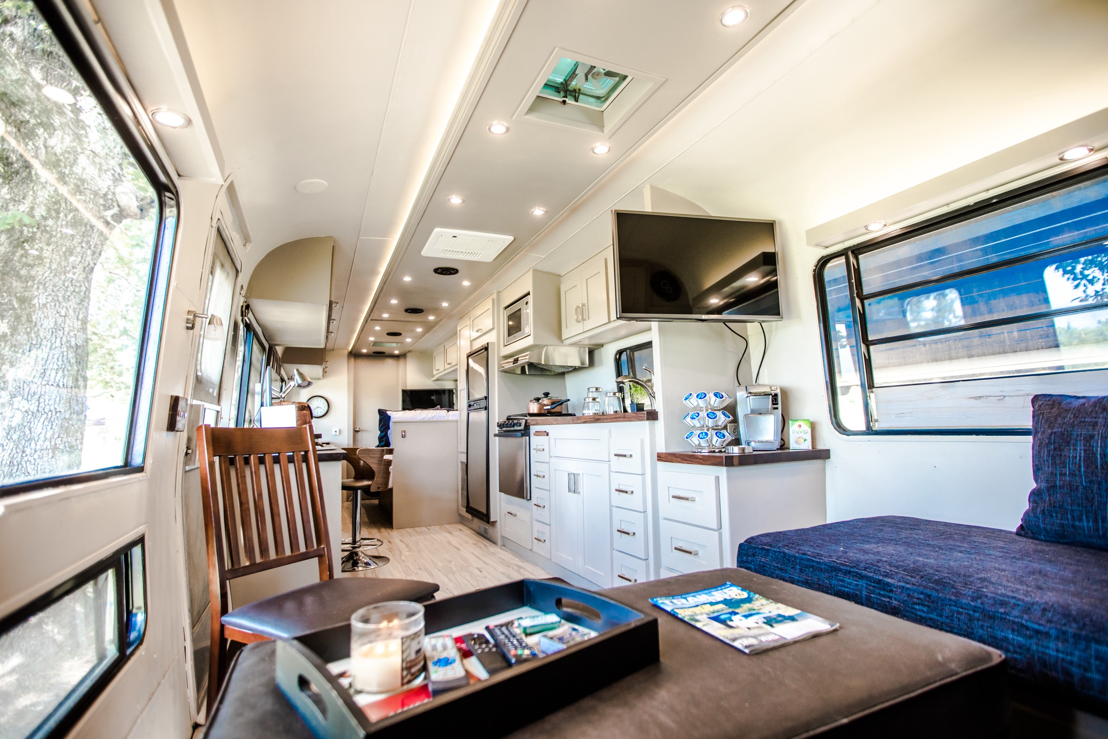 1988 Rv A Filmmaker S Tinyhome Remodel Bailey Eubanks