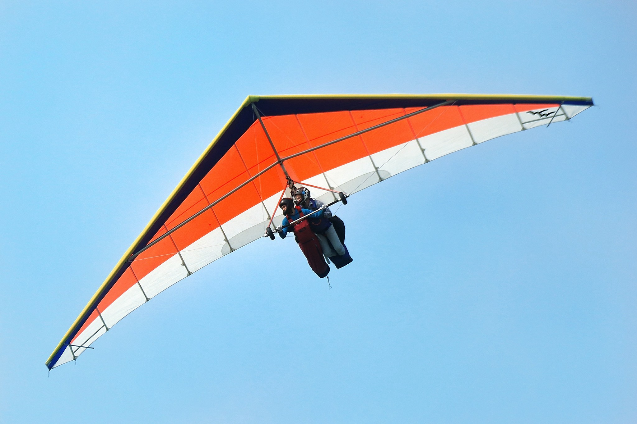 Jonny Durand sets two hang gliding world records!