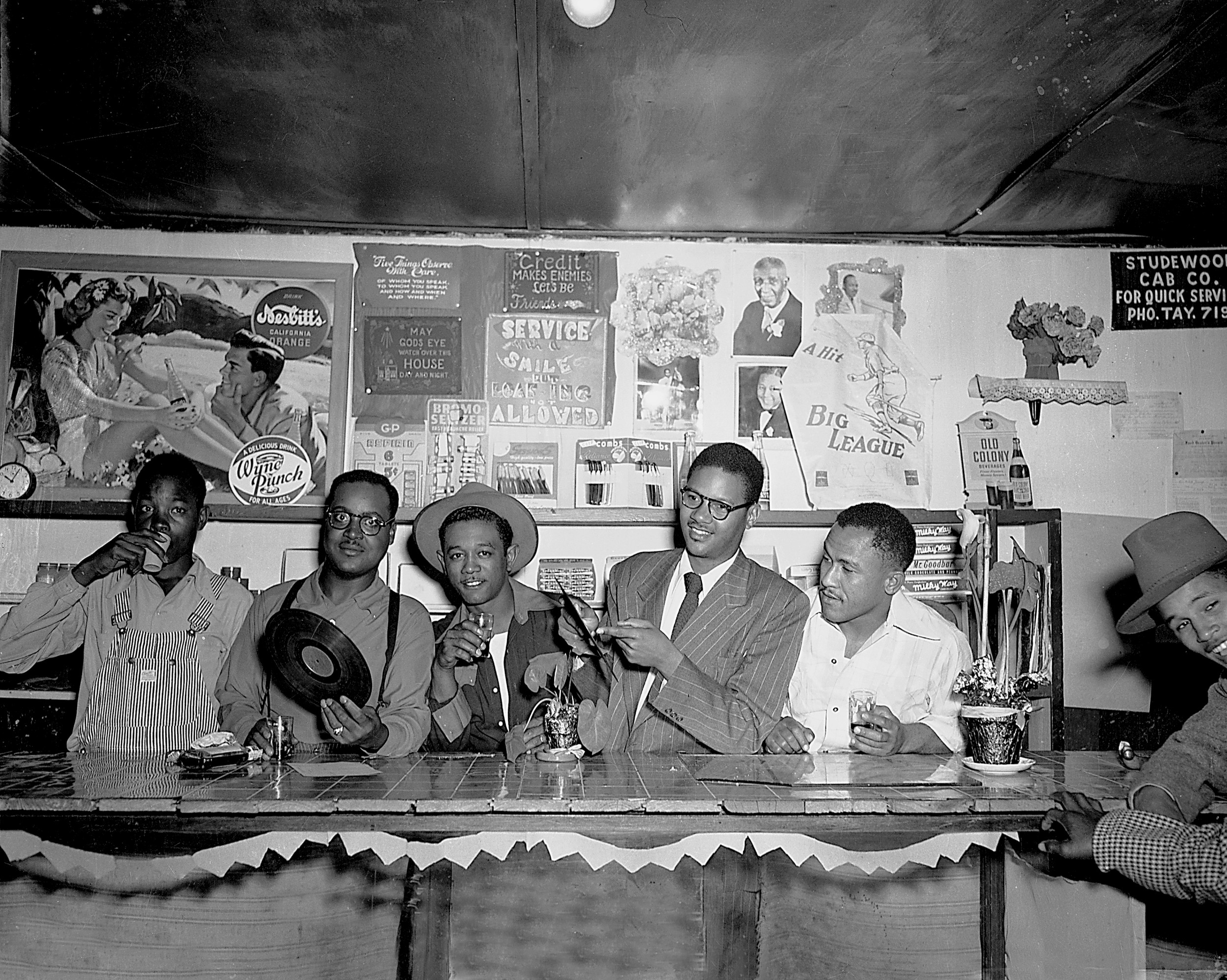 Gorgeous Photos From The Harlem Of The West Show The