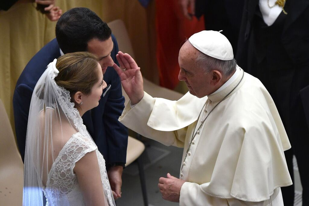 Pope Francis Tells Priests To Embrace Divorced And Remarried Catholics