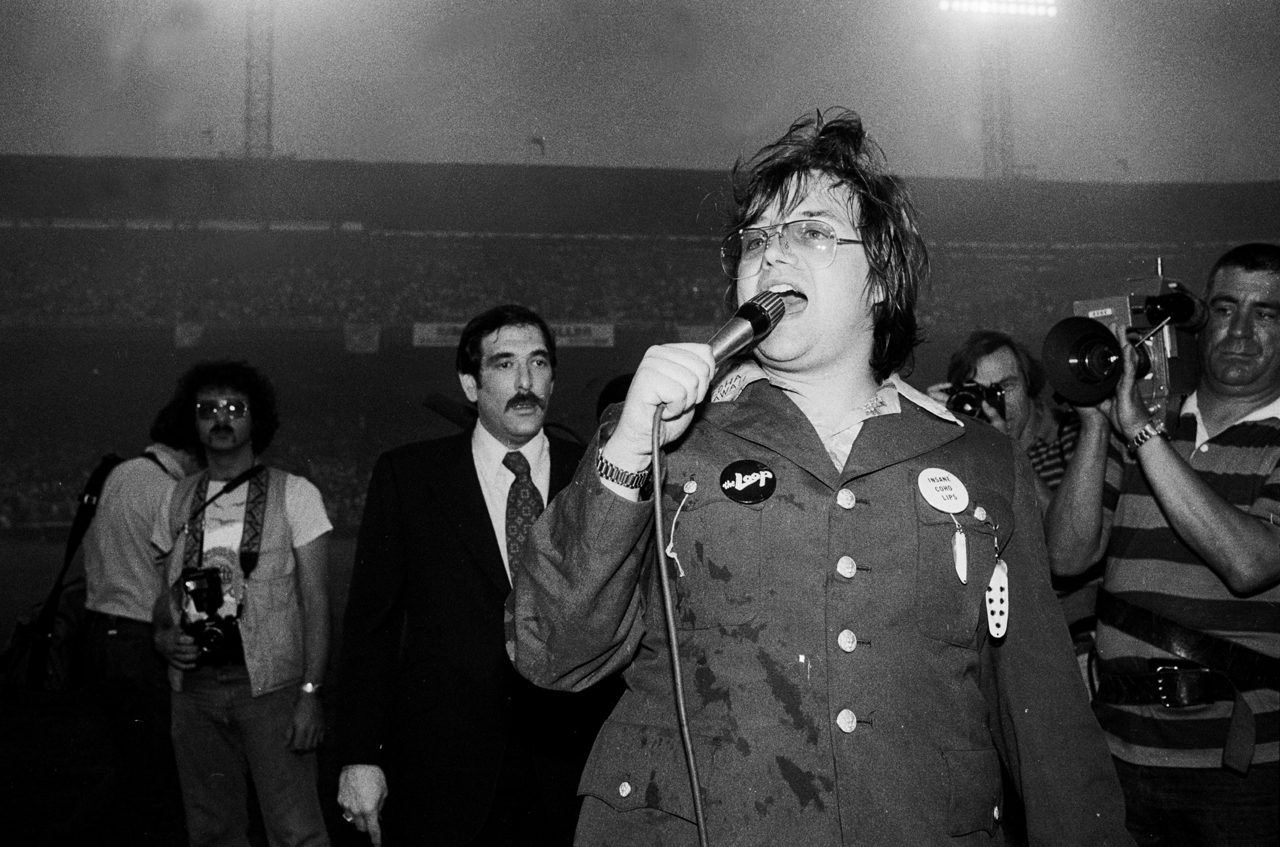 Steve Dahl Leads The Crowd In Anti Disco Chants During His Demolition Event At Comiskey Park Chicago On July 12 1979 Paul Natkin Getty Images