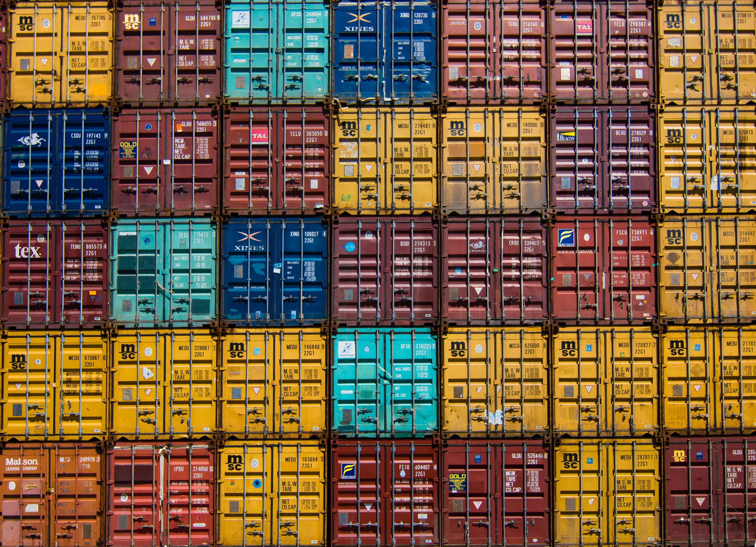 Containerizing an application of multiple startup projects without docker-compose—Visual Studio