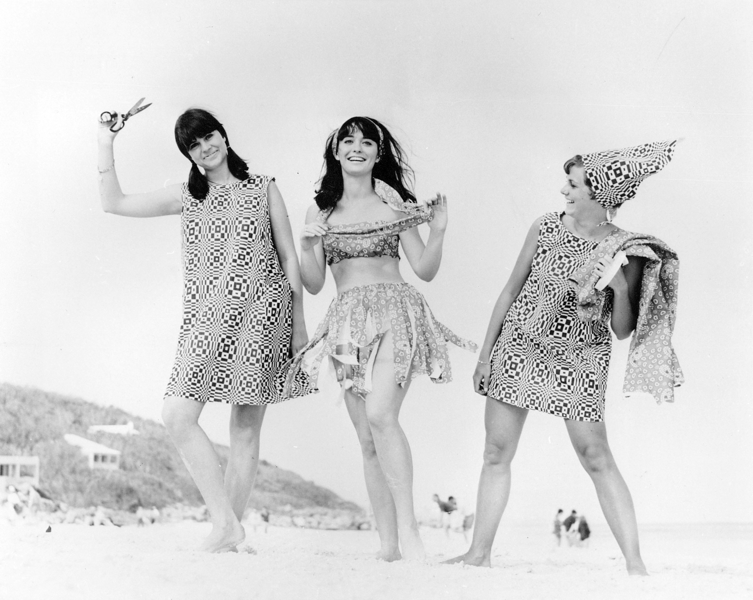 1cfd9d29ae353 This wild paper clothing trend of the 1960s was the early version of fast  fashion