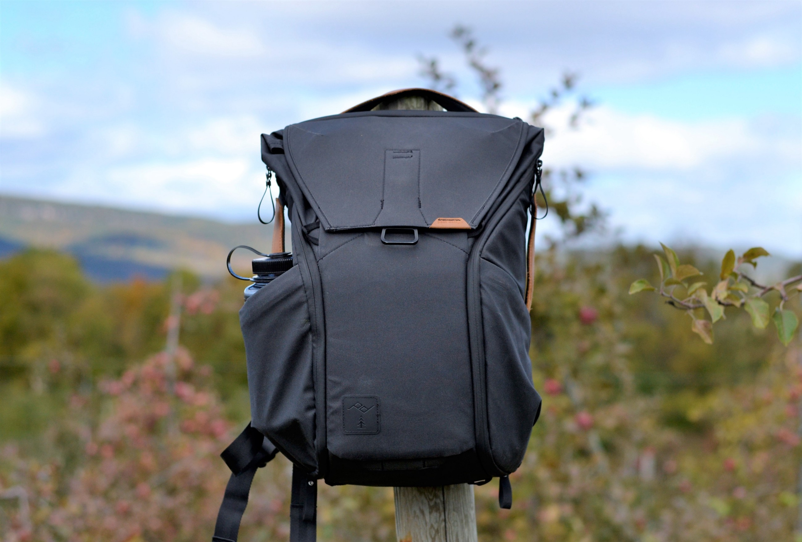 6935b9e769 The Peak Design Everyday Backpack. This is a legendary bag that already has  a ton of reviews and innumerable users. No matter ...