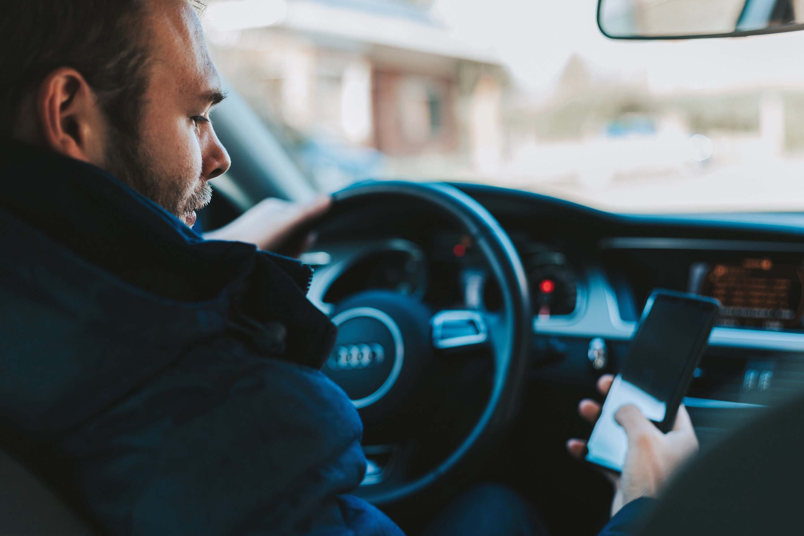 Do You Know the 3 Types of Distracted Driving? – Arata