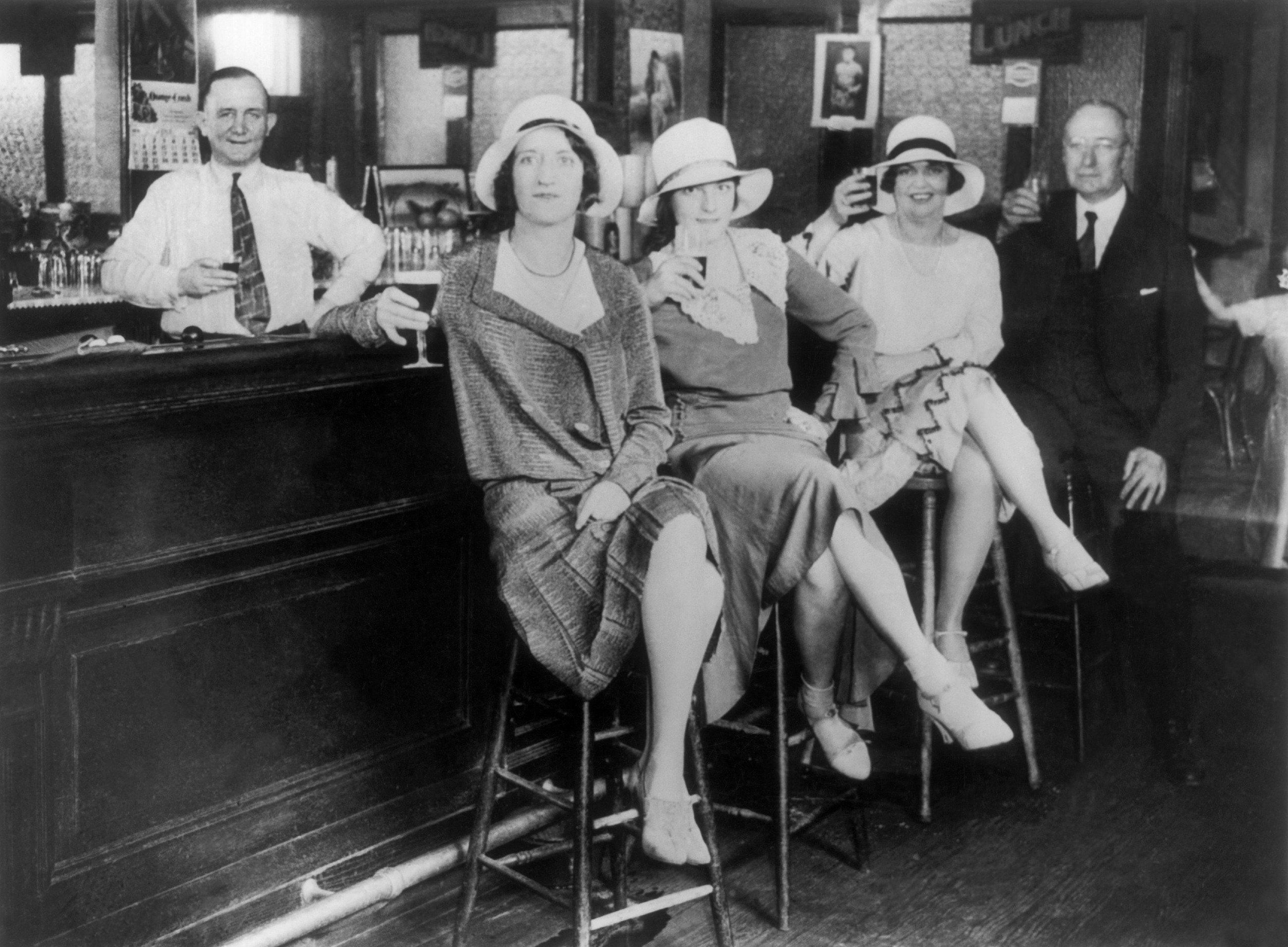In The 1920S, This Writers Flapper Lifestyle Put The Sex -4994