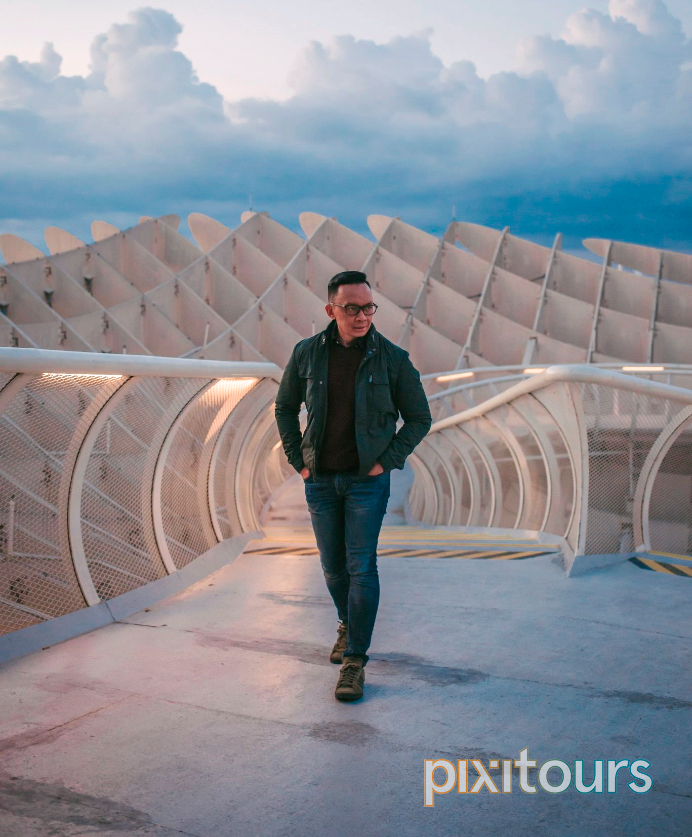 Model: Henri Fitriadi [@thefinicalwanderer](https://www.instagram.com/thefinicalwanderer) on the Roof of the Metropol Parasol in Seville