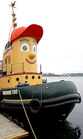 Theodore_Tugboat_at_Murphys_cable_wharf
