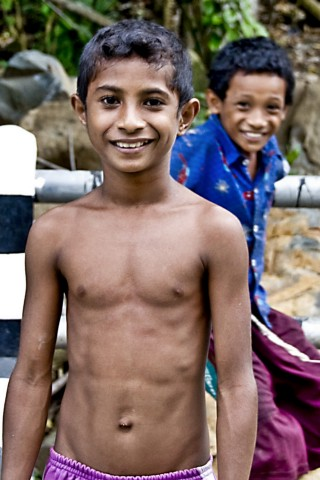 indian-boy-playing-with-boobs-photo-pussu-beich-pc