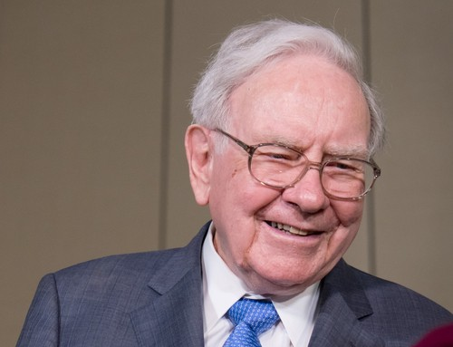 Warren Buffett's Berkshire Invests in Apple Inc  – Trade12 – Medium