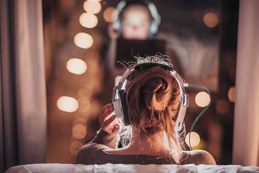 Kết quả hình ảnh cho Listening To This One Song Could Reduce Anxiety By Up To 65 Percent