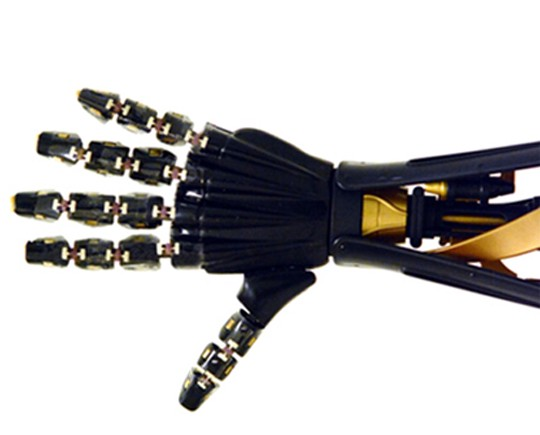New stretchable artificial skin gives robotic hand a sense of touch