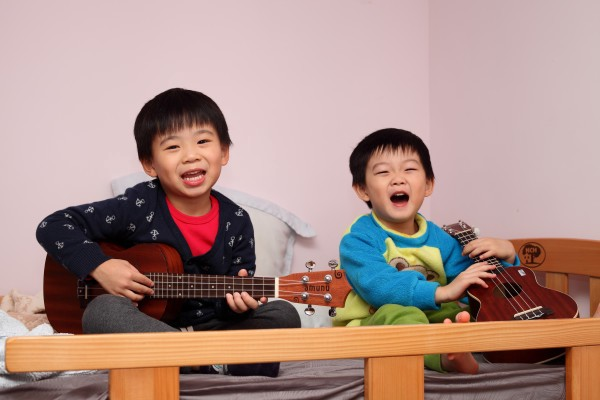 Children love the ukulele