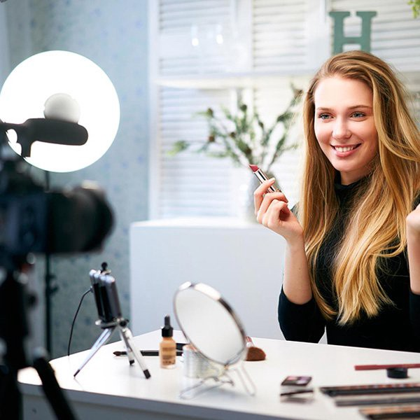 <div>Beauty Influencers: Be Prepared with E&O Insurance in Case You Get Sued.</div>