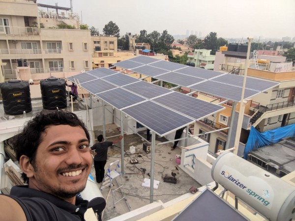 solar engineer at installation