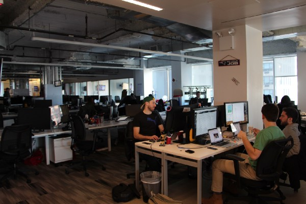 Group workstations in the Bleacher Report newsroom