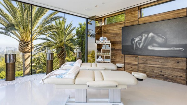 With a price tag of  250 million  that s a quarter of a billion dollars    this Bel Air mega mansion has 12 bedrooms  21 bathrooms. America s Priciest Home Is  250M And You Need To See It