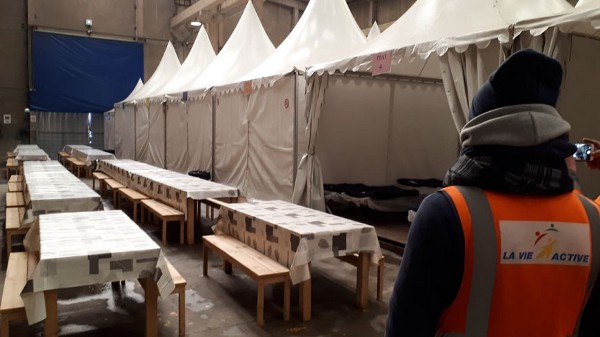 Emergency accommodation in Calais. Photo: Radio France, Matthieu Darriet.