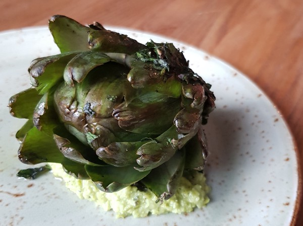 Mint and green pea pesto with artichoke